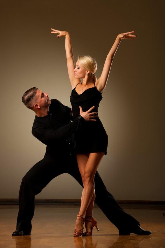 Tanzpaar Pose